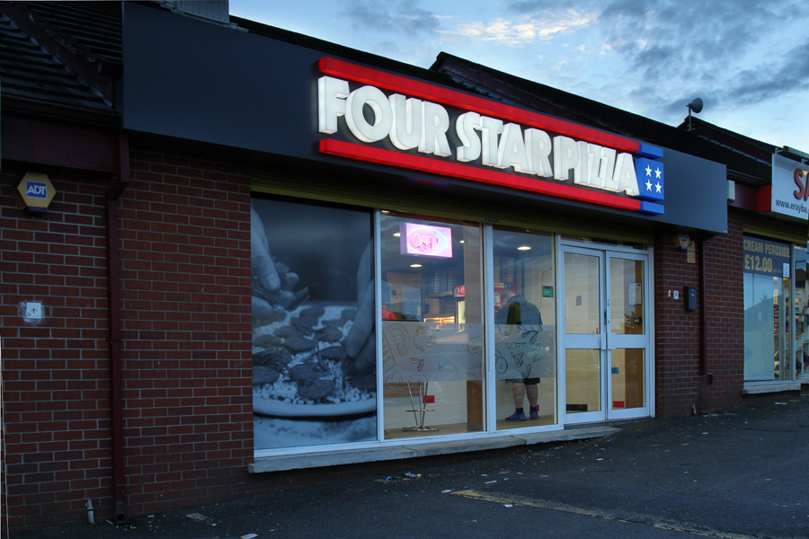 Four Star Pizza Signs With Flair